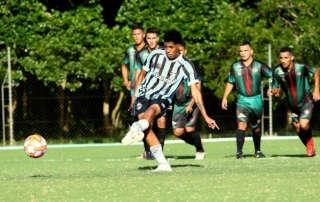 À disposição, Fabio Azevedo prevê duelo difícil diante do Palmeiras
